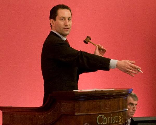 Aurel Bacs, responsable du département montres chez Christie's © Christie's
