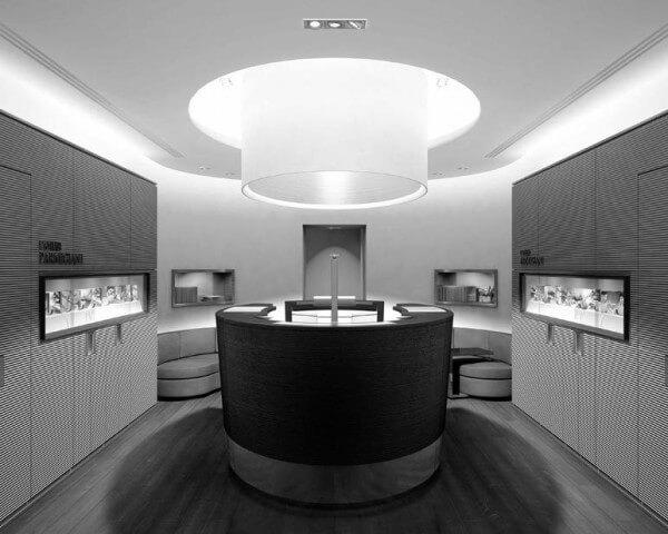 La marque neuchâteloise va relayer l'excellence de son savoir-faire par l'ouverture, dès 2009, de nouveaux espaces à travers le monde baptisés « Atelier Parmigiani » © Parmigiani