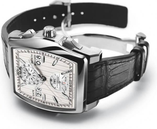 Da Vinci Calendrier Perpétuel Digital Date et Mois en platine avec bracelet en croco noir © IWC