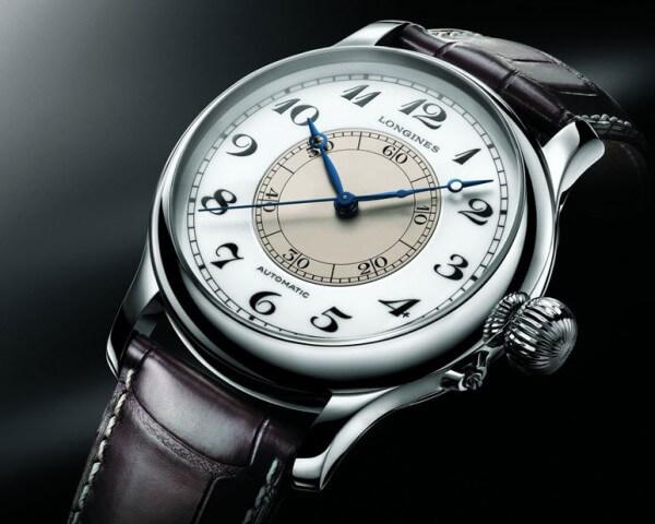 Inventée par le commandant américain Philipp van Horn Weems, le modèle éponyme mis au point par Longines est la première montre de poignet pensée pour l'aéronautique © Longines