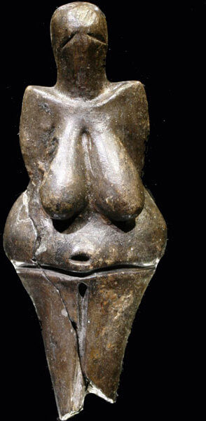 La Vénus de Dolni Vestonice (République tchèque) est une représentation féminine en céramique datant de 29'000 à 25'000 avant J.-C. © Petr Novák, Wikipedia