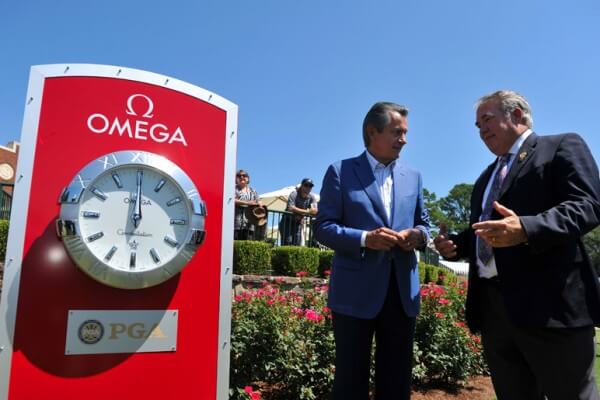 Stephen Urquhart et Joe Steranka, CEO de la Professional Golfers' Association of America (PGA) © Omega
