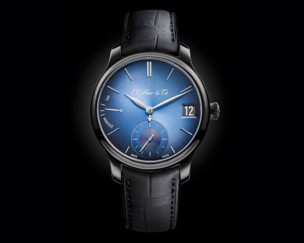 Endeavour Perpetual Calendar Funky Blue © H. Moser & Cie