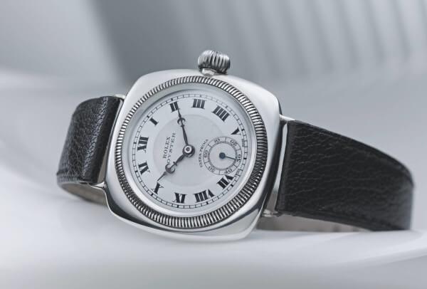 1926, première Oyster coussin de Rolex