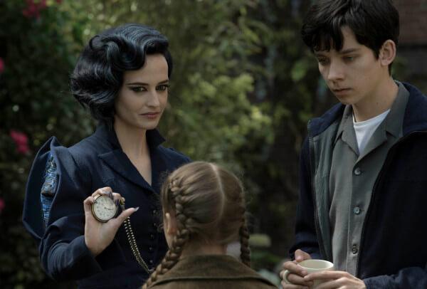 Eva Green dans Miss Peregrine et les Enfants Particuliers de Tim Burton