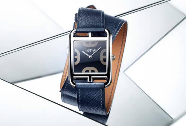Cape Cod S100 avec bracelet en cuir bleu de Malte © Hermès