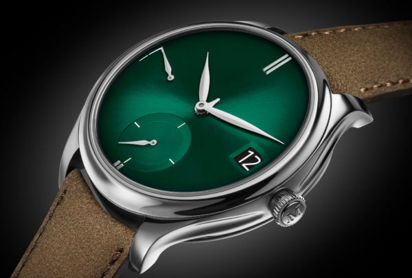 Endeavour Perpetual Calendar Purity Cosmic Green © H. Moser & Cie