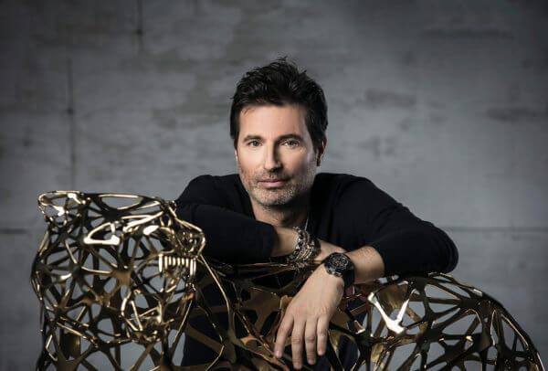 Richard Orlinski. L'artiste contemporain français le plus vendu dans le monde a posé son empreinte pop art sur la nouvelle Classic Fusion Aerofusion Chronograph Orlinski. © Hublot