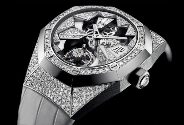 La Royal Oak Concept Ladies Flying Tourbillon d'Audemars Piguet en or blanc 18 k, sertie de 459 diamants ronds taille brillant totalisant 3,65 carats.