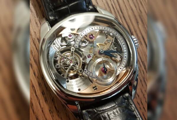 L'horloger indépendant a attendu 20 ans pour trouver la bonne idée : un tourbillon sautant