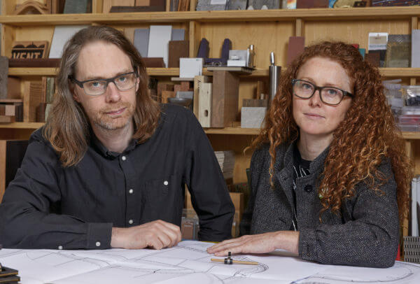Le duo d'artiste Semiconducor réunissant Ruth Jarman et Joe Gerhardt
