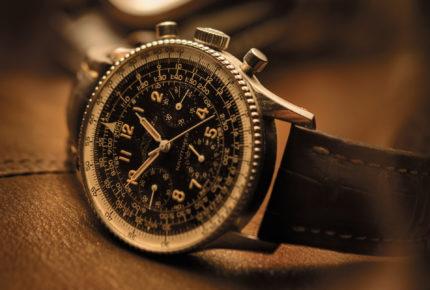 La première Navitimer de Breitling, en 1952, devient la montre officielle de l'Aircraft Owners and Pilot Association.