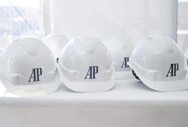 Audemars Piguet posaient la première pierre de sa nouvelle manufacture dans la zone industrielle des Saignoles, au Locle, canton de Neuchâtel