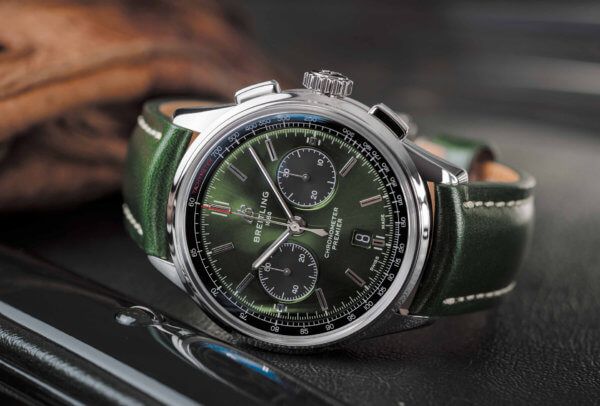 Premier B01 Chronograph 42 Bentley British Racing Green © Breitling