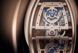 La montre tonneau double fuseau squelette © Cartier