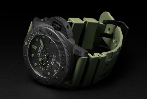 Submersible Marina Militare Carbotech™ - 47 mm © Panerai