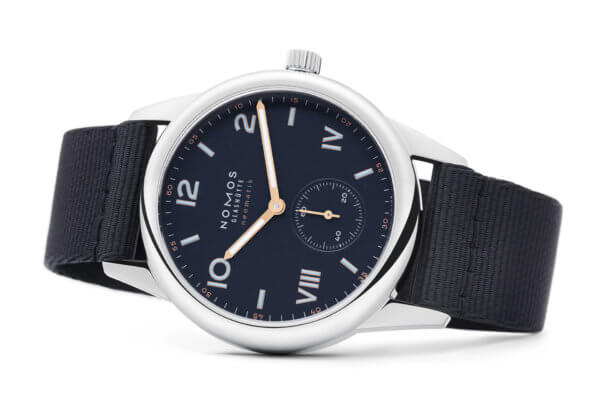 Club Campus neomatik 39 Midnight Blue réf. 767 © Nomos Glashütte