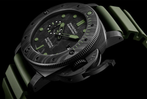 Submersible Marina Militare Carbotech 47mm © Panerai