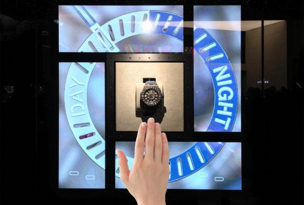 Vitrine d'exposition pour Hublot Fusion © Dietlin