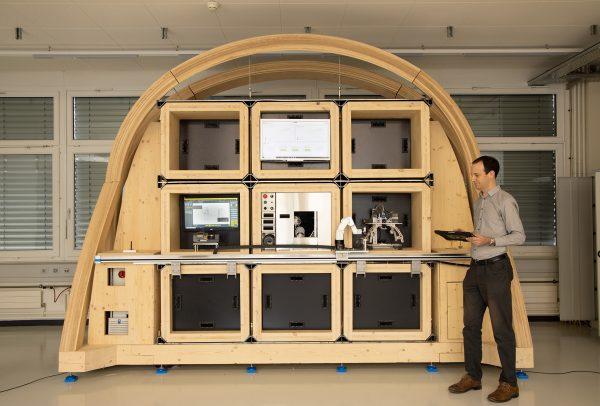La micro-usine se compose de briques technologiques, logées dans des alvéoles modulables.