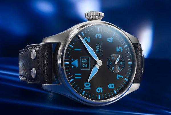 Grande Montre d'Aviateur Grande Date Bucherer Blue © IWC